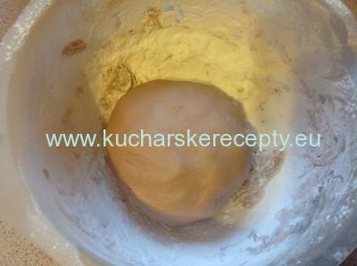 potahovacia tortova hmota z marshmallow cukrikov