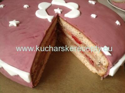 recept orechovo jahodova torta - rozkrojena