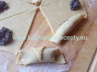 recept makove a lekvarove rozky 7